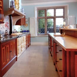 colonial Kitchen by Tim Wood Limited