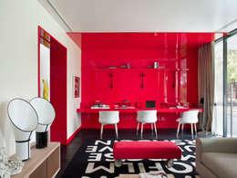 modern Media room by SA&V - SAARANHA&VASCONCELOS