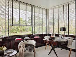 modern Study/office by SA&V - SAARANHA&VASCONCELOS