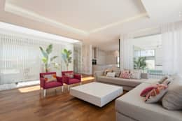 modern Living room by VISMARACORSI ARQUITECTOS