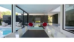 CASA CARRARA: Jardines de estilo moderno por Remy Arquitectos