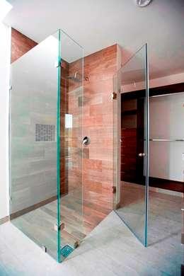 Baños de estilo minimalista por JF ARQUITECTOS