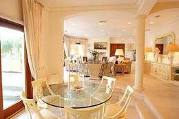 Comedores de estilo clásico por PLAN Associated Architects