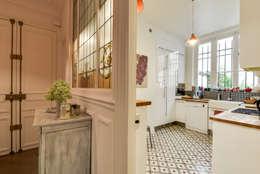 Paris 9: Cuisine de style de style Classique par blackStones
