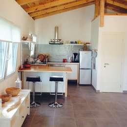 Cozinhas modernas por Cocooninberlin