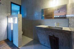 Casa T: Baños de estilo  por Studio Arquitectos