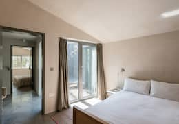 The Workshop: modern Bedroom by Henning Stummel Architects Ltd