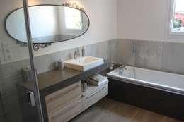 Baños de estilo ecléctico por ATLANTIC BAIN