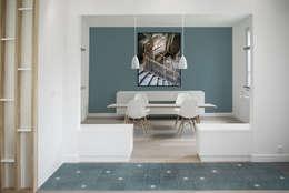 Entrée + Salle à manger: Salle à manger de style de style Minimaliste par Yeme + Saunier