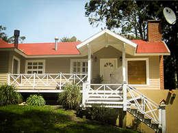 CASA BECCO Sierra de los Padres: Casas de estilo rural por Chauvín Arquitectura