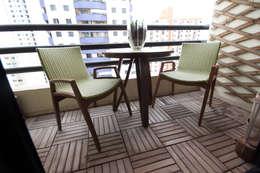 Terrazas de estilo  por MIS Arquitetura e Interiores