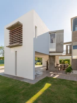 modern Houses by barqs bisio arquitectos