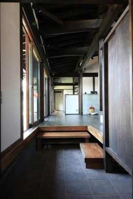 田村建築設計工房의  복도 & 현관