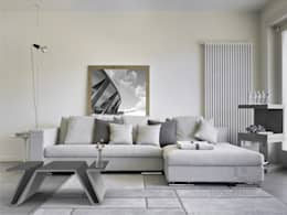 Salas / recibidores de estilo moderno por Modern Line