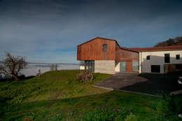 Casas campestres por RUBIO · BILBAO ARQUITECTOS