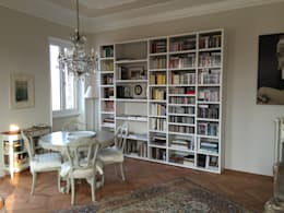 Livings de estilo clásico por K.B. Ristrutturazioni