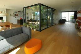 VILLA DE WAARD MENSINK, Ijburg, Amsterdam KENK Architecten: moderne Woonkamer door KENK architecten