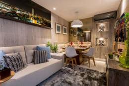 moderne Woonkamer door Cristiane Fernandes Designer de Interiores