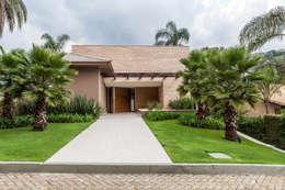 Casas de estilo moderno por Márcia Carvalhaes Arquitetura LTDA.