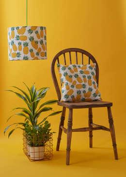 tropical Living room by Rosa & Clara Designs