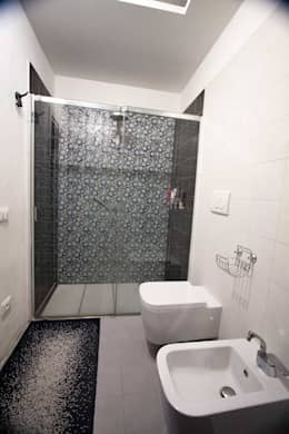 modern Bathroom by Studio HAUS
