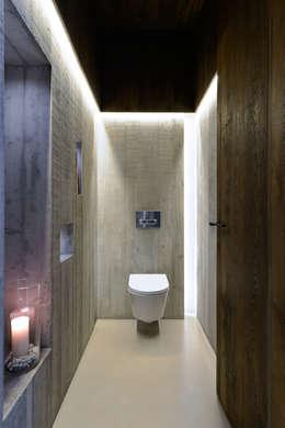 Baños de estilo moderno por Ricardo Moreno Arquitectos
