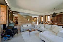 Salas / recibidores de estilo moderno por Ricardo Moreno Arquitectos
