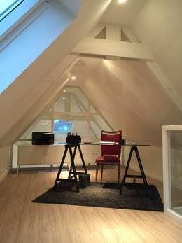 Etage: Bureau de style de style Moderne par Expression d'Intérieurs