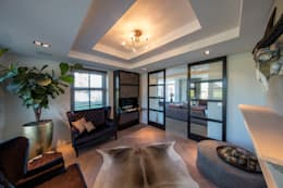 Salas de estar rústicas por Medie Interieurarchitectuur