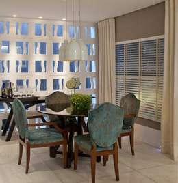 Projekty,  Salon zaprojektowane przez Bianka Mugnatto Design de Interiores