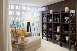 Salas de estilo ecléctico por Bianka Mugnatto Design de Interiores