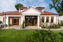 บ้านและที่อยู่อาศัย by Gzowska&Ossowska Pracownie Architektury Wnętrz