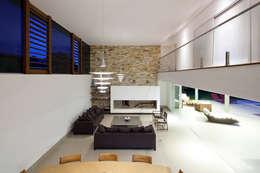 modern Living room by Conrado Ceravolo Arquitetos
