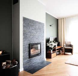 moderne Wohnzimmer von IDeALS | interior design and living store