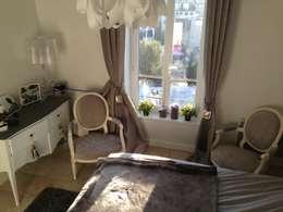Appartement de charme, paris 16 ème.: Chambre de style de style Classique par playtime-deco