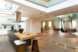 Paredes y pisos de estilo  por The Natural Wood Floor Company