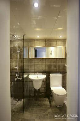 Baños de estilo industrial por 홍예디자인