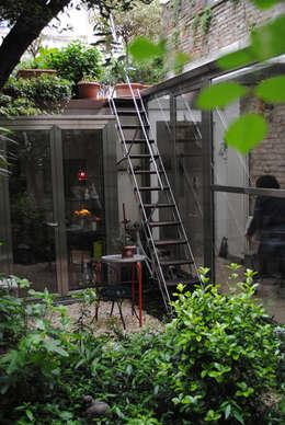 Jardins rústicos por Bongiana Architetture