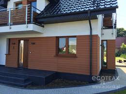 Elewacja - drewno naturalne: styl , w kategorii  zaprojektowany przez EcoTeak Kompozyt Drewa