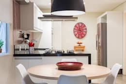 modern Kitchen by Danielle Tassi Arquitetura e Interiores