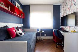 modern Bedroom by Danielle Tassi Arquitetura e Interiores