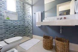 Baños de estilo  por Danielle Tassi Arquitetura e Interiores