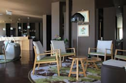 Loby do Hotel: Hotéis  por Tralhão Design Center