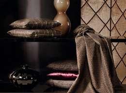 CAMBRIDGE / DEVON / CASINO / TOPAS: moderne Wohnzimmer von APELT STOFFE