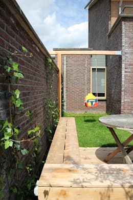 Jardins modernos por Buro Floris