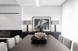 Salle à manger de style de style Moderne par CASA MARQUES INTERIORES