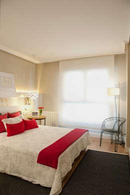 Sube Susaeta Interiorismo: modern tarz Yatak Odası