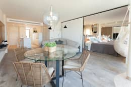 Projekty,  Salon zaprojektowane przez Pia Estudi