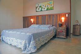 Projekty,  Sypialnia zaprojektowane przez RAC ARQUITETURA