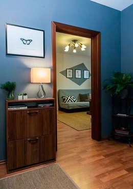 Однокомнатная квартира в Москве: Коридор и прихожая в . Автор – L'Essenziale Home Designs